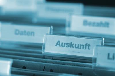 Auskunftrecht beachten! Bild: Rainer Sturm_pixelio.de